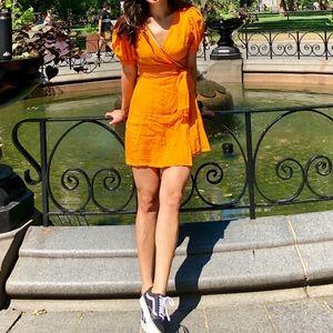 Zara yellow puff sleeve linen dress